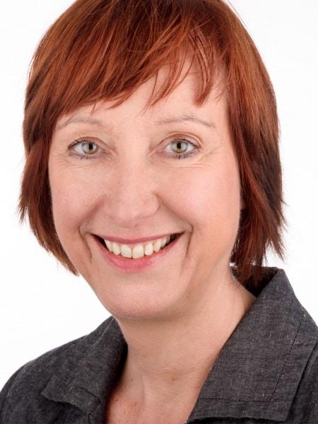 2015-06 Yvonne van der Tuuk - pasfoto site
