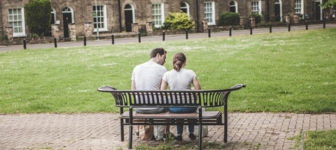 Hoe kun je goed omgaan met een partner met autisme? Lees hier de tips!